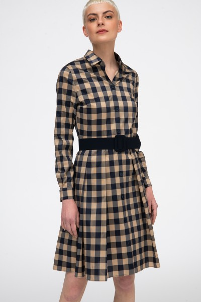 Sukienka w kratę z tafty