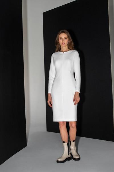 Dopasowana sukienka ecru z długim rękawem