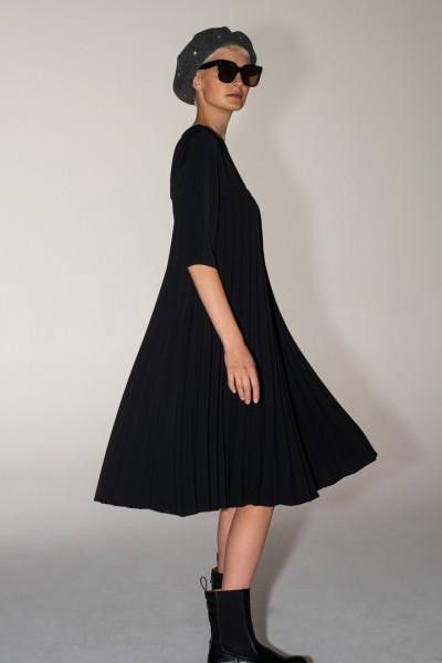 Sukienka o kroju