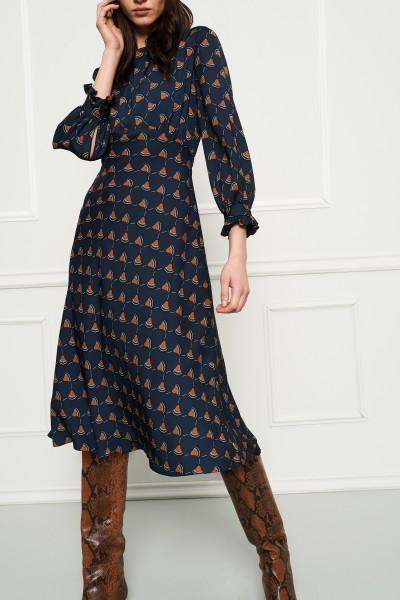 Granatowa sukienka z printem
