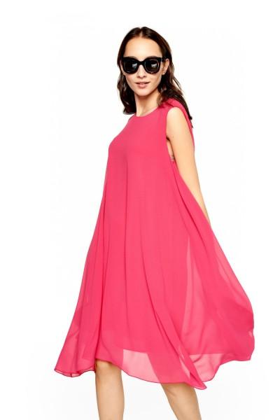 Rozkloszowana sukienka z transparentnej tkaniny