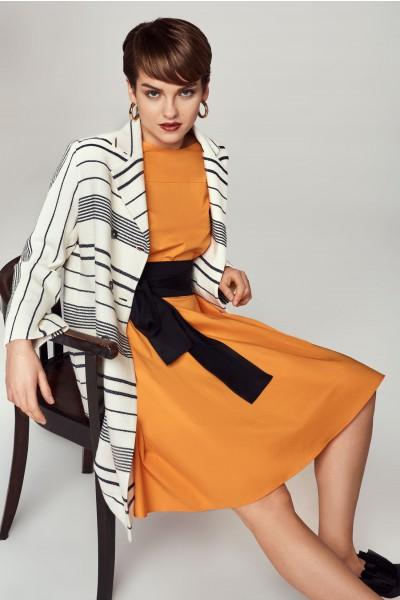 Bawełniana sukienka z kontrastowym pasem