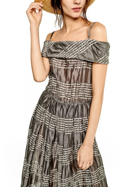 Sukienka o żakardowym splocie