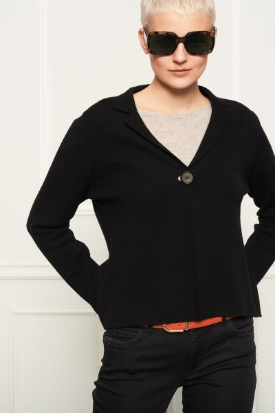 Czarny zapinany sweter z małym kołnierzykiem