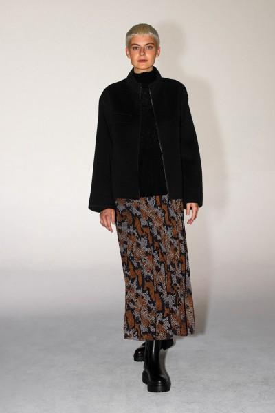 Długa spódnica na gumie w kolorowy print plisowana