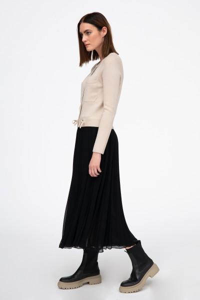 Plisowana spódnica w kolorze czarnym