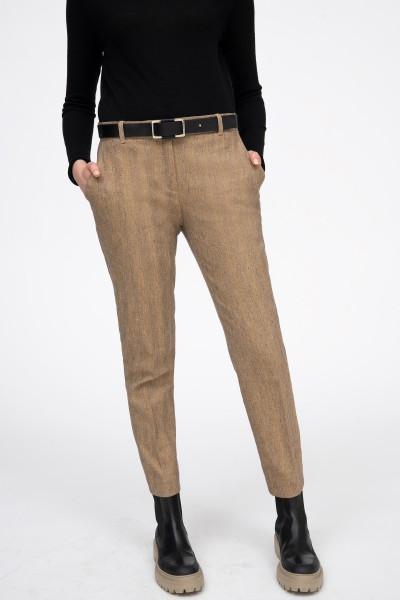 Klasyczne spodnie w odcieniach beżu