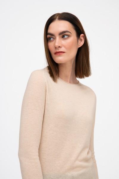 Wełniany sweter w kolorze beżowym