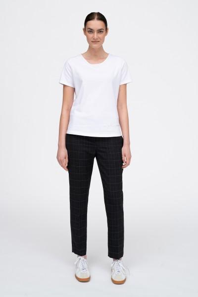 Biały T-shirt ze srebrnym napisem